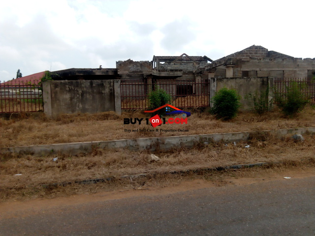 Uncompleted house forsale