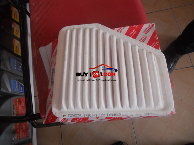 Genuine Air Cleaner For Toyata   RE1075