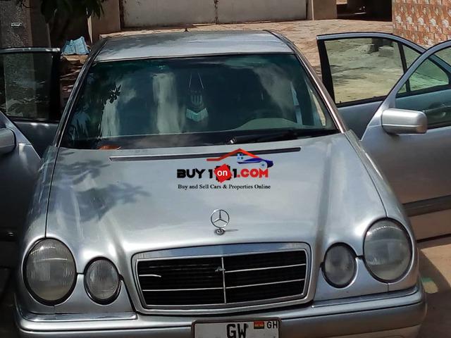 Benz E200 for Sale   RE1362